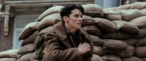 'Dunkirk' Full Film Review Fight Them On The Beaches Fionn Whitehead